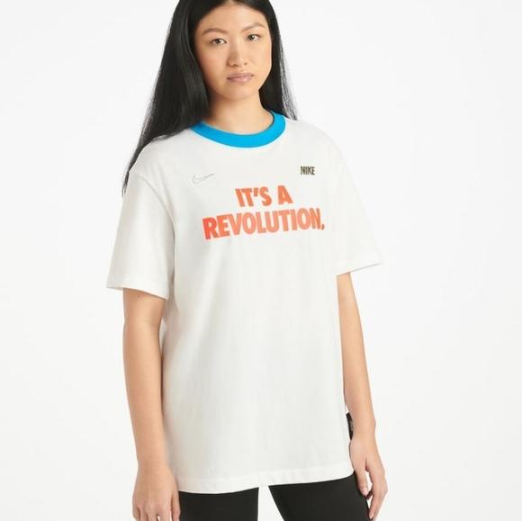 Nike It's a Revolution Boyfriend Tee